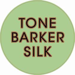 Logo for Tone Barker og hendes kjoler i silke.